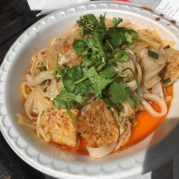 Stir Fried Cold Skin Noodles