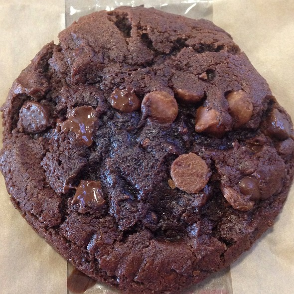 Ghirardelli Triple Chocolate Cookie @ Arby's