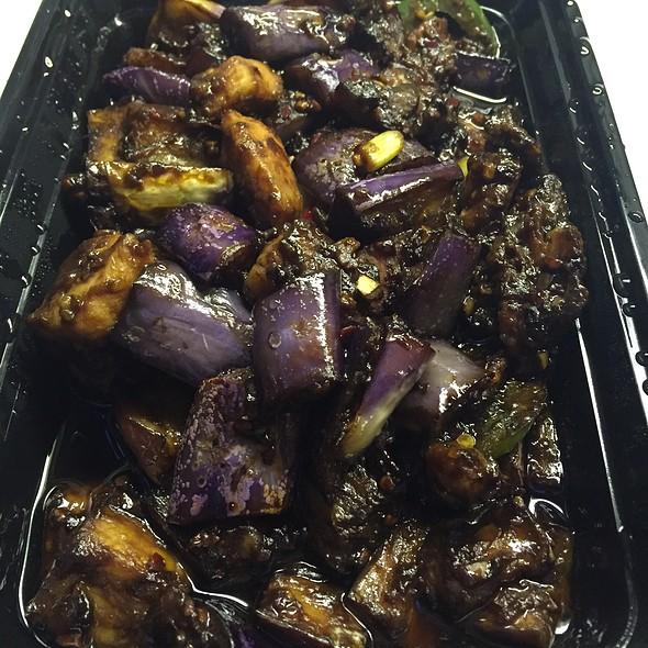 Beijing Style Chicken And Eggplant @ Mama Ji's