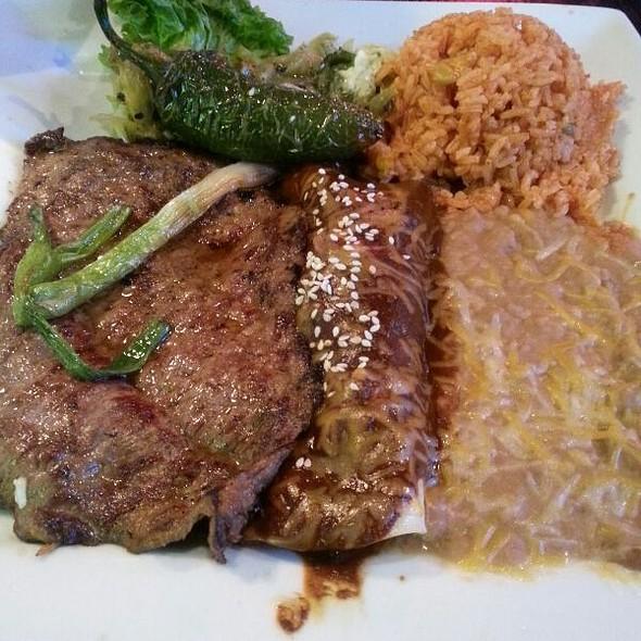 Mole Y Carne Ranchera @ El Pescador