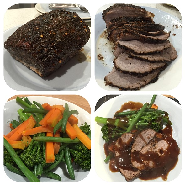 Coffee And Chipotle Rubbed Beef, Steamed Veggies And Gravy @ Chookys