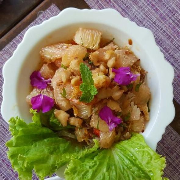Pomelo Salad @ Lime and Basil Thai Restaurant