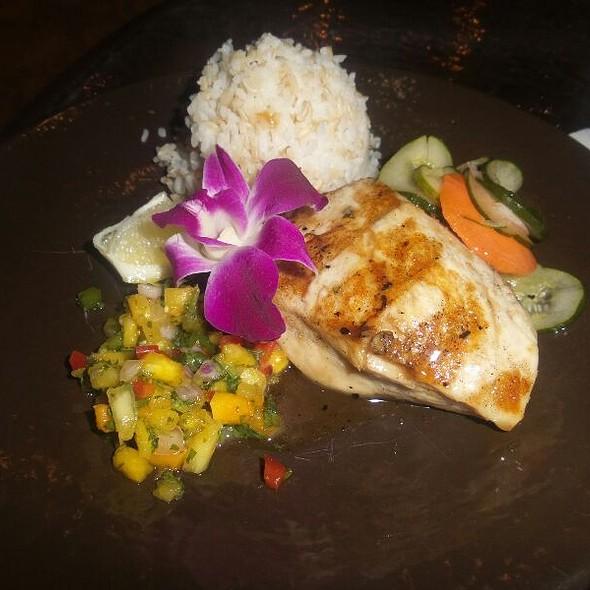 Mahi Mahi Plate @ Duke's Restaurant & Barefoot Bar