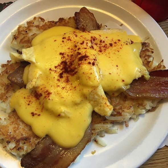 Ultimate Potato Pancake @ Norske Nook Bakery