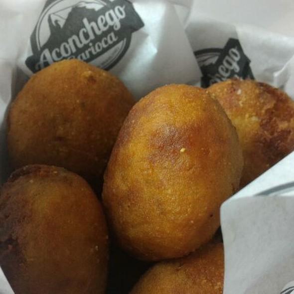 Bolinho De Batata Baroa Com Carne Seca  @ Aconchego Carioca