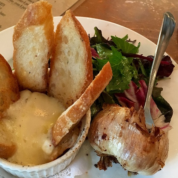 Baked Camembert with Roasted Garlic & Toast Points @ Chez Papa Bistrot