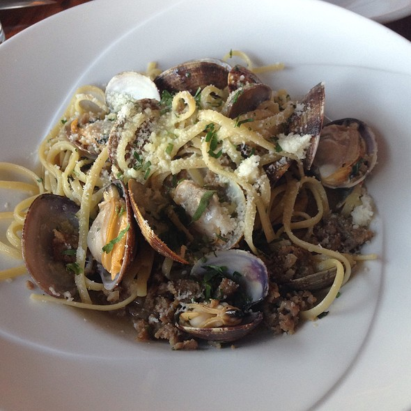 Manila Clams @ The Wooden Table