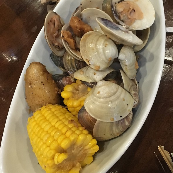 Clams in Lemon Pepper @ 99 Degrees Seafood Kitchen