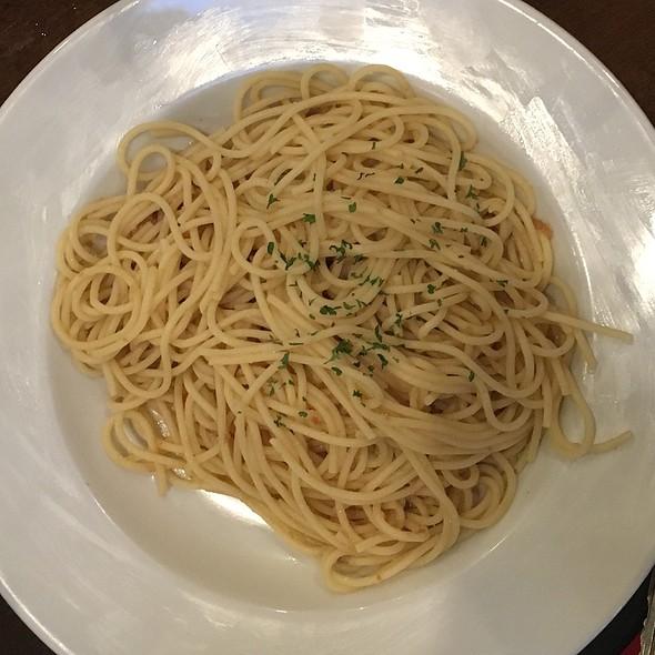 Garlic Noodles @ 99 Degrees Seafood Kitchen
