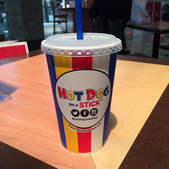 Light Lemonade @ Hot Dog On A Stick