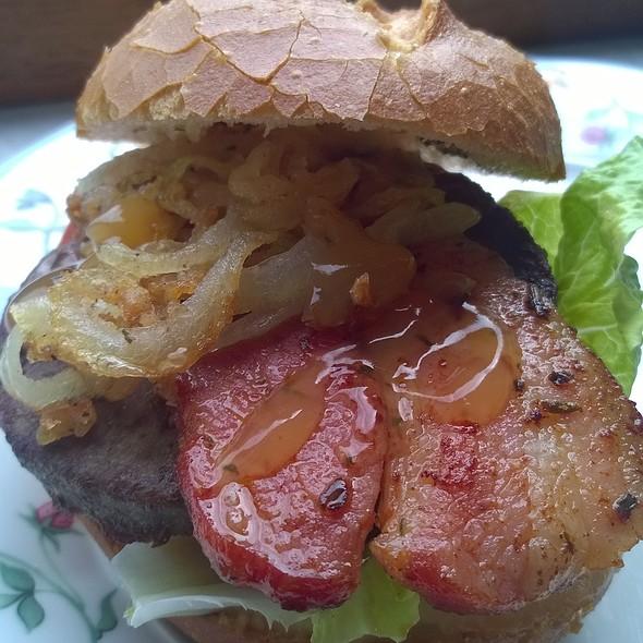 Bacon burger @ Home Sweet Home Sir Aqua