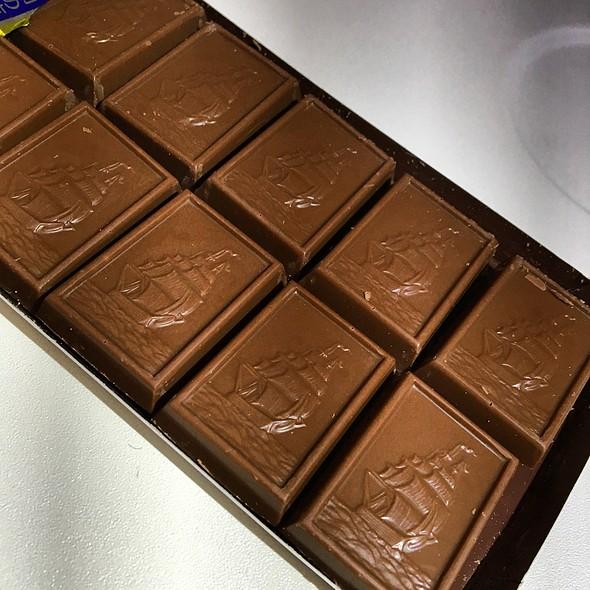 BOURBON Alfort Mini Chocolate Biscuits  @ TZ 26