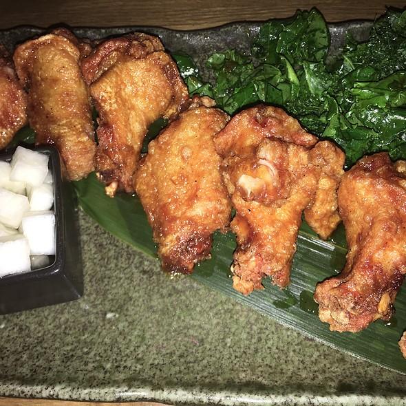 Soy Garlic Chicken Wings @ Maze Bar&Eatery