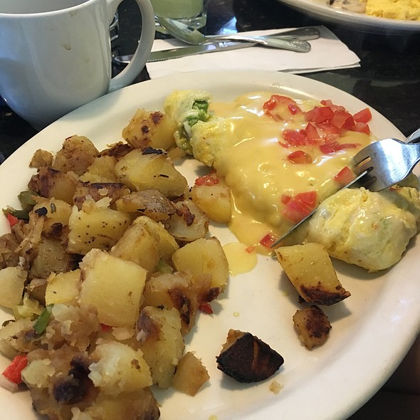 Crab And Avocado Omlette @ Louise's Pantry