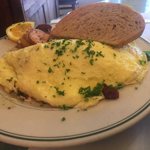 Farmers Omelette @ Mama's On Washington Square