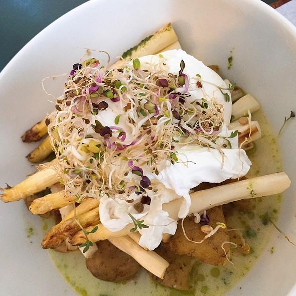 Asparagus, Poached Eggs & Potatoes
