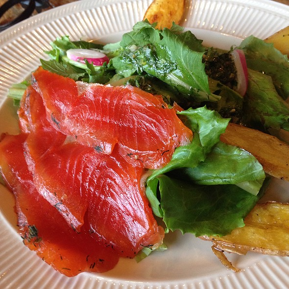 Alpenglow Salad With Cured Salmon