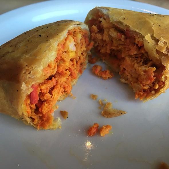 chicken samosas @ Khana Peena