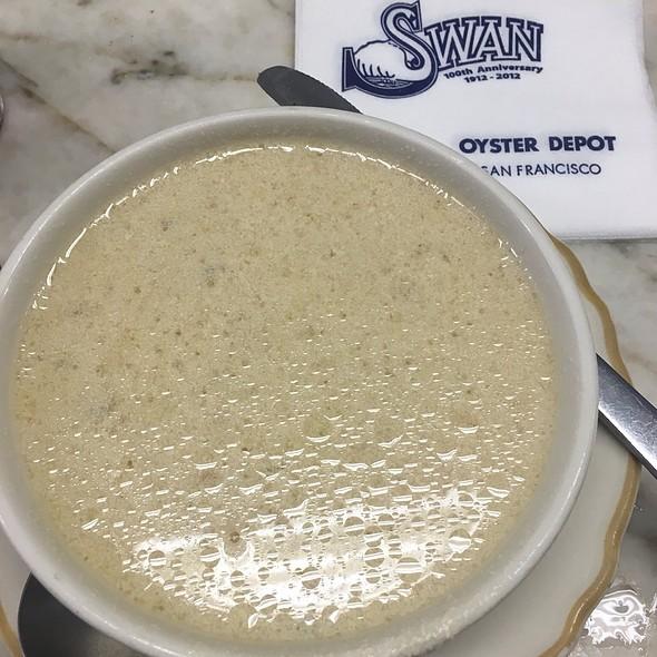 Boston Clam Chowder @ Swan Oyster Depot