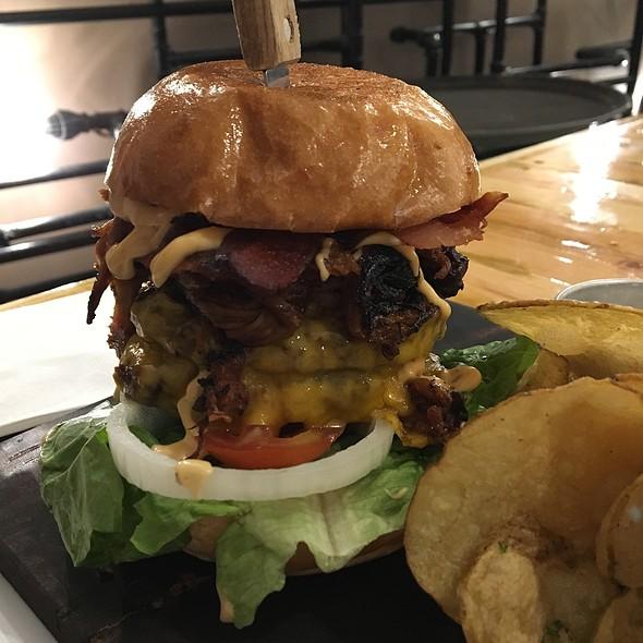 Triple Death Burger