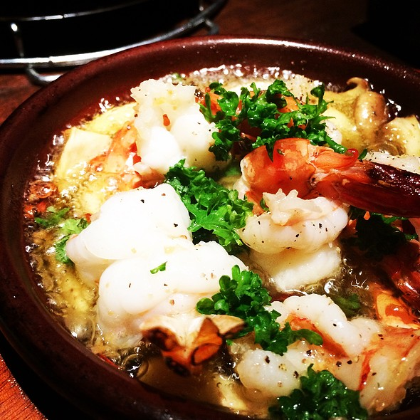 Gambas al Ajillo (Garlic Shrimp Tapa)