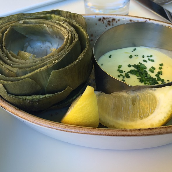 Artichoke With Lemon Garlic Sauce, Oysters On The Half Shell, Escargot, Smoked Salmon - L'Albatros, Cleveland, OH
