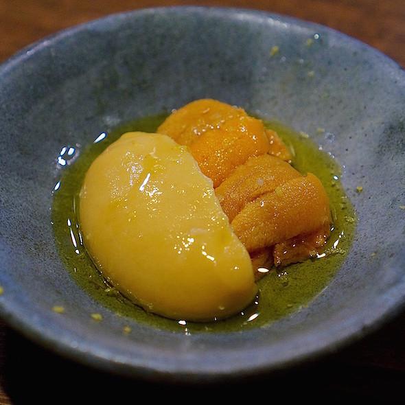 Hokkaido sea urchin, fermented chickpea hozon purée @ Momofuku Ko