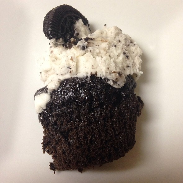 Cookies And Creme Cupcake @ Tiers Of Elegance