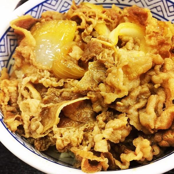 Beef Bowl (牛丼)