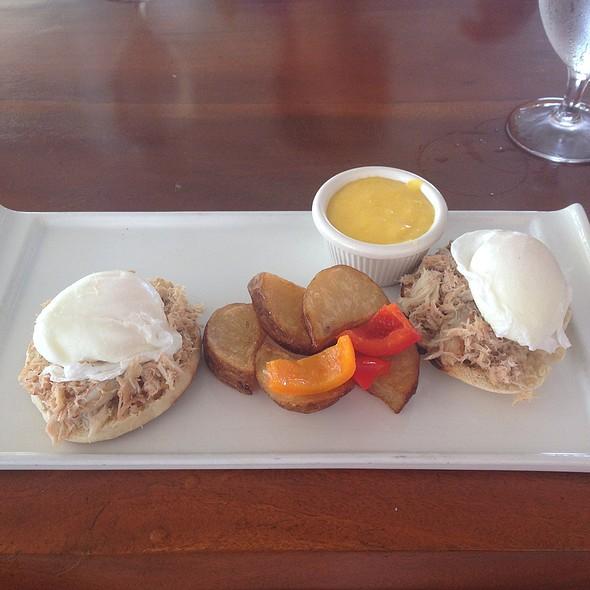 Golden Crab Benedict @ Beach House Restaurant