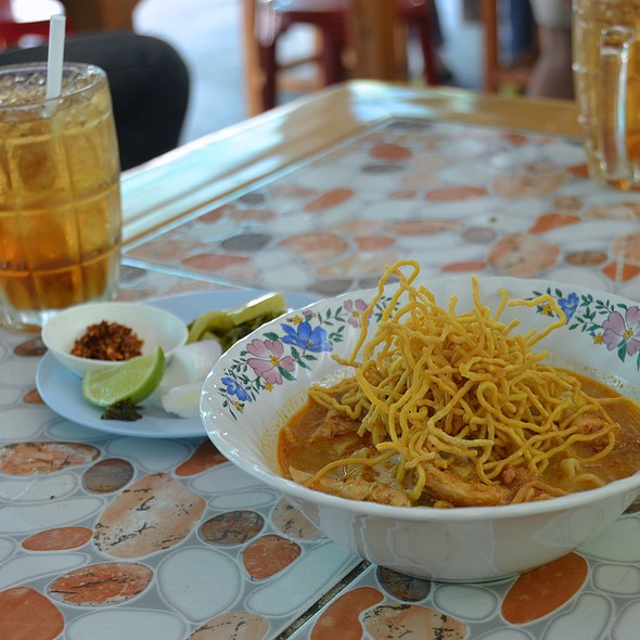Khao Soi With Chicken @ Khao Soi Khun Yai