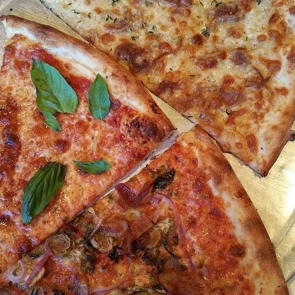 Forbes Waggensense @ Pizza Brain