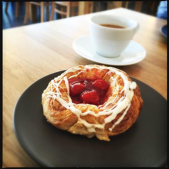 Danish @ Cafe Herkkuhetki Ky