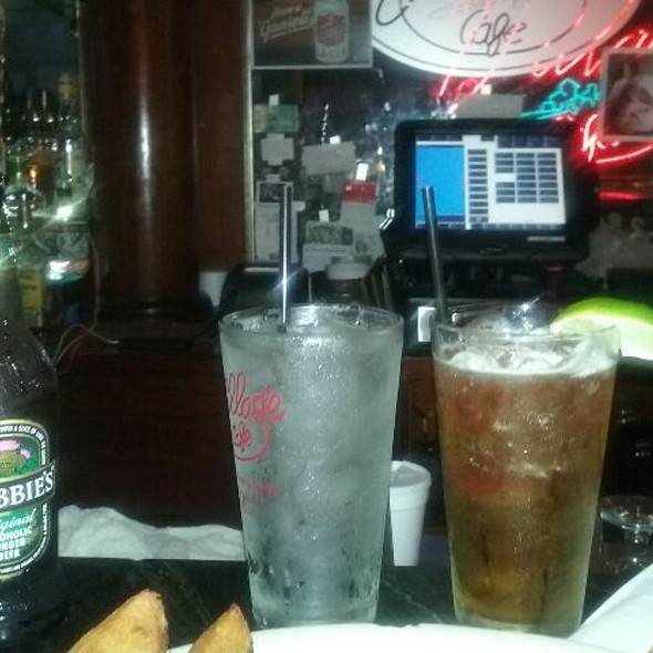 Crabbies Alcoholic Ginger Beer @ The Village Cafe