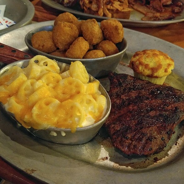 Flat Iron Steak, Four Cheese Mac'N'Cheese, Spicy Cheddar Tots, Jalapeno Cornbread Muffin @ Gilley's