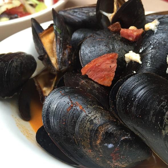 Mussels @ Saraghina Restaurant