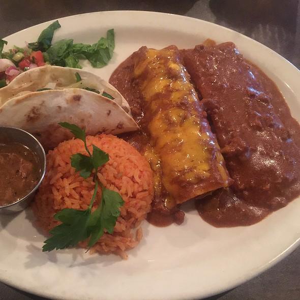 Chef's Dinner @ Gabriela & Sofia's Tex-Mex