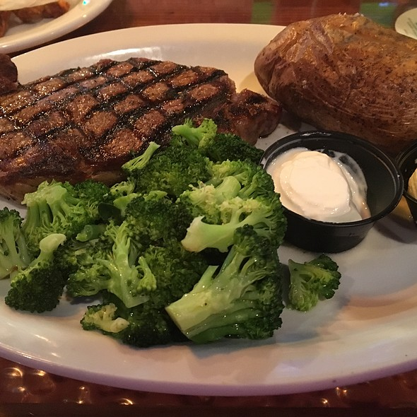Ribeye Steak With Broccoli And Baked Potato @ Miller's Ale House-Winter Park