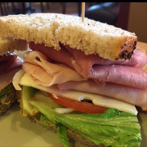 Ham And Turkey Club With Swiss Cheese, Lettuce, Tomato, Bacon, And Mayonnaise @ Panera Bread