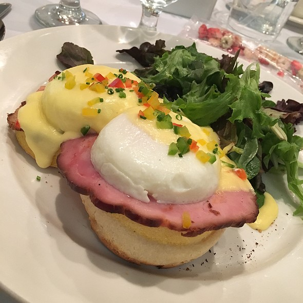 Eggs Benedict with Maple-cured Ham @ Sedgefield Country Club