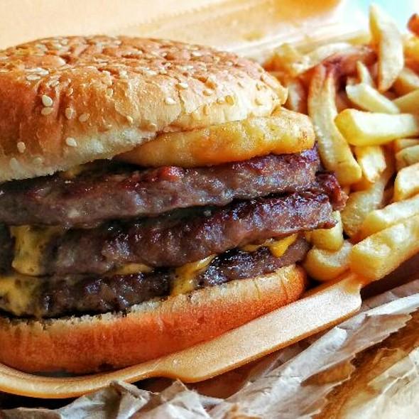 3/4lb American Burger