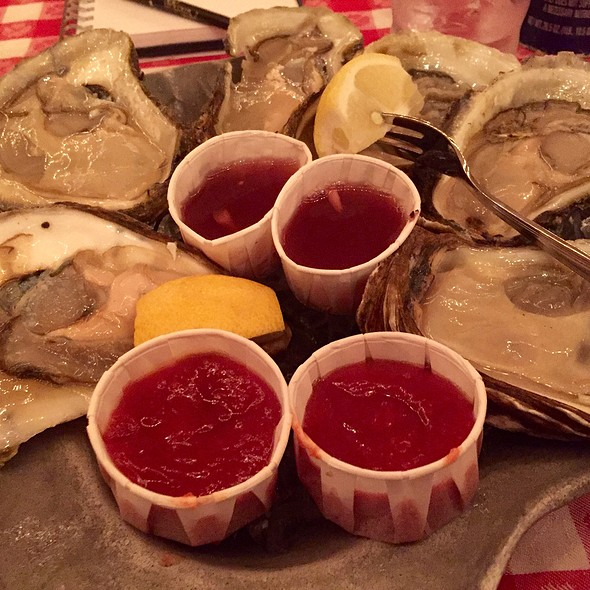 Blue Point Oysters Xl @ Grand Central Oyster Bar