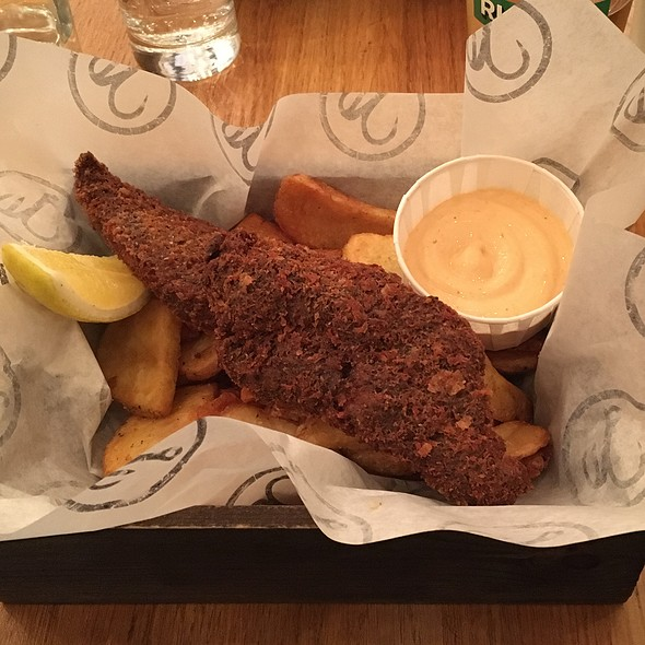 Jamaican Jerk Panko Crusted Fish With Seaweed Salted Chips & Chipotle Sauce @ Bia Mara