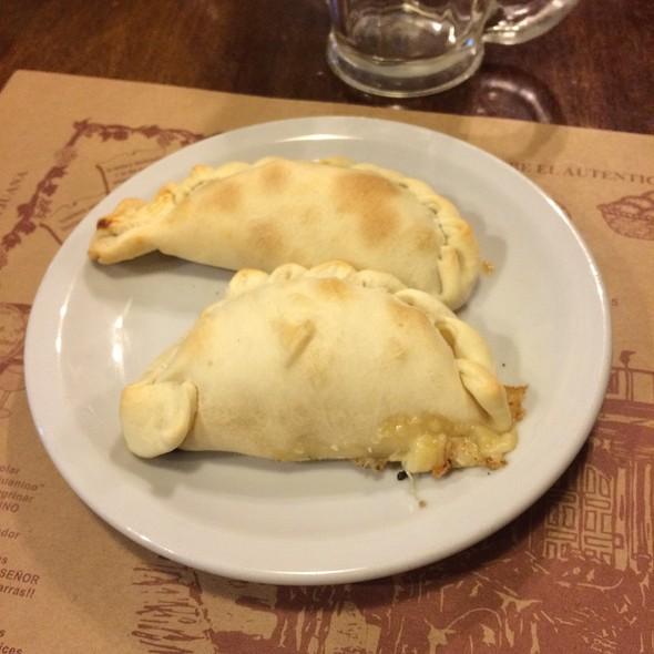 empanadas @ El Sanjuanino