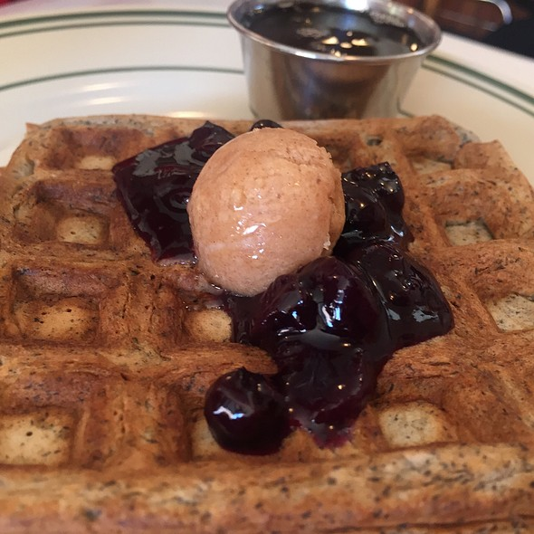Waffles @ Pies-N-Thighs