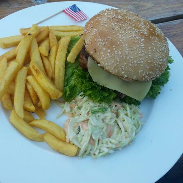 SWISS Cheeseburger  @ THE Regelsbach Inn