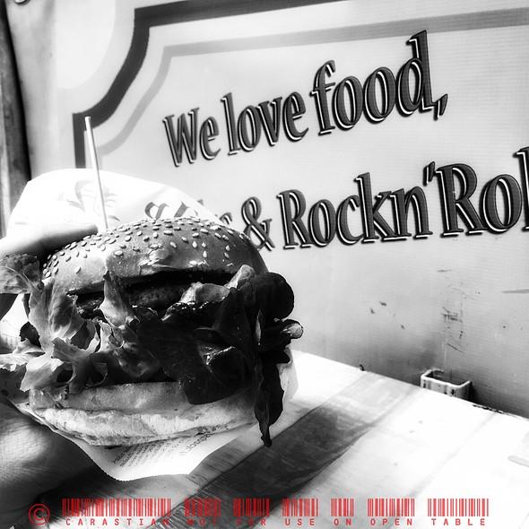 Cheeseburger @ Rockabilly Rumble