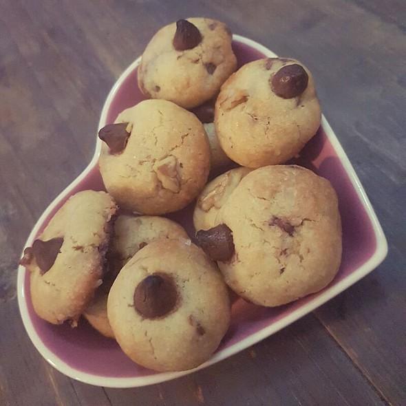 Mini Chocolate Chips Cookies