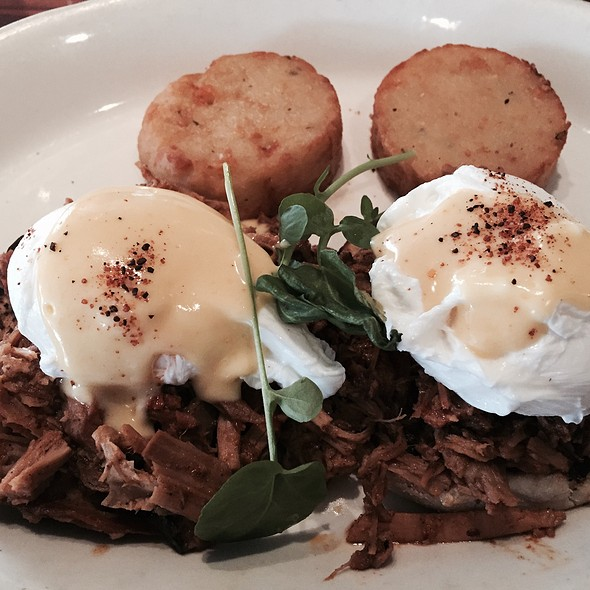 Pulled Whole Hog Bbq Eggs Benedict