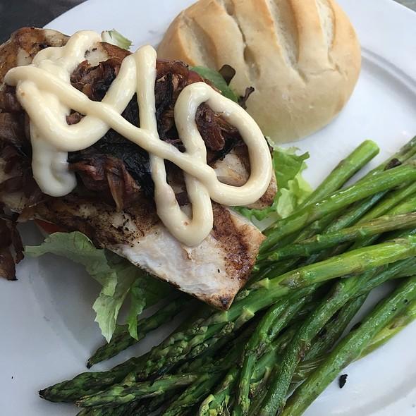 Grilled Mahi Mahi Sandwich @ Inn of the Hawke